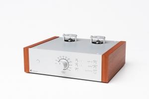 Ламповый MM/MC-фонокорректор Pro-Ject Tube Box DS2